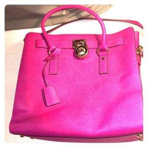 MICHAEL KORS Handbag.  Excellent condition!